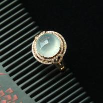 晶莹剔透缅甸天然A货玻璃种翡翠镶金戒指